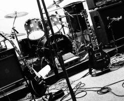 バンドの組み方やメンバーの探し方は?初心者でも簡単に始める方法