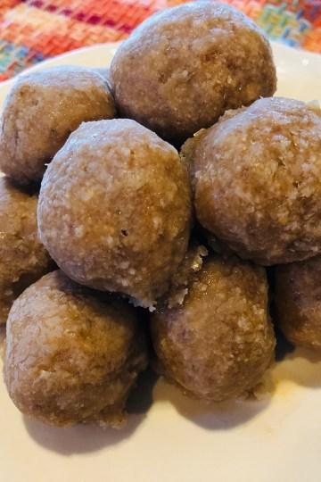 Raw Vegan Donut Holes