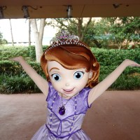 Meeting Sofia the First and Jake while it's raining at Hollywood Studios and a Character Palooza check
