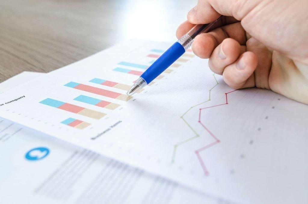 Illustration des outils instagram de statistiques et d'analyses.