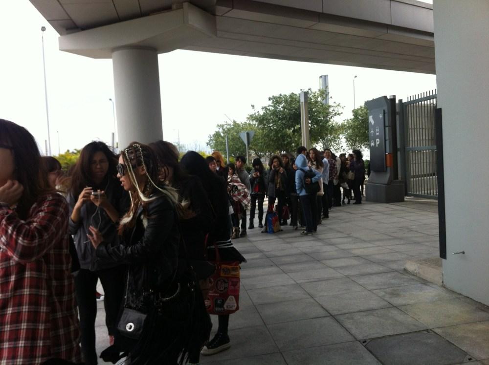 LIVE REPORT: L'Arc~en~Ciel 20th L'Anniverary World Tour Live in Hong Kong (March 03, 2012) (5/6)