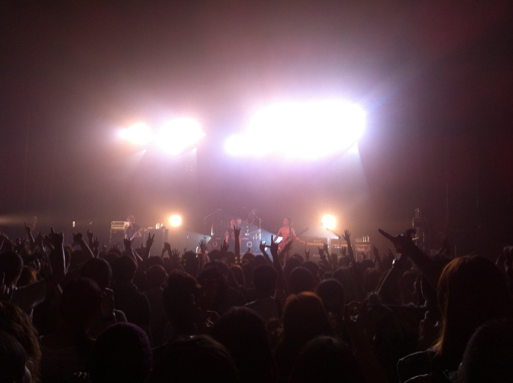 LIVE REPORT: ONE OK ROCK Start Walking the World Tour Live in Singapore (June 30, 2012) (6/6)