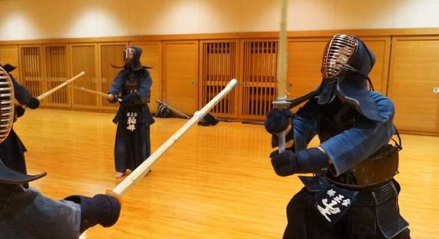 Tenouchi for men cutting