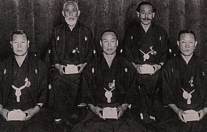 Shimatani Yasohachi (back left)