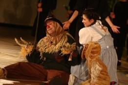 Wizard of Oz - Dorothy, Scarecrow, Toto
