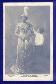 Abomah-with-woman
