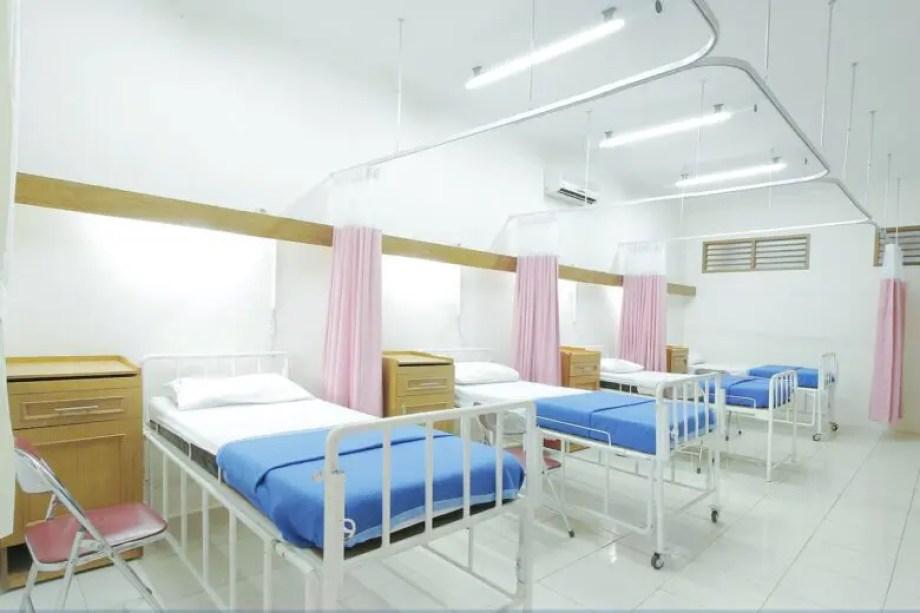 Thumbnail-english-hospital