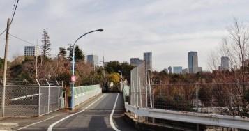 Shinanomachi tunnel overpass road
