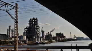 Kawasaki industrial zone refinery