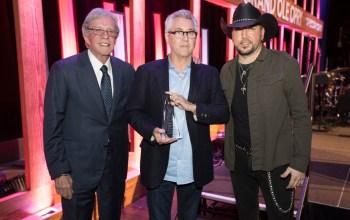 Clarence Spalding Receives Bob Kingsley Living Legend Award