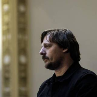 Sturgill Simpson stands as Kentucky lawmakers honors his achievements during the General Legislative Session on March 20, 2018. Photo by Christian Randolph.