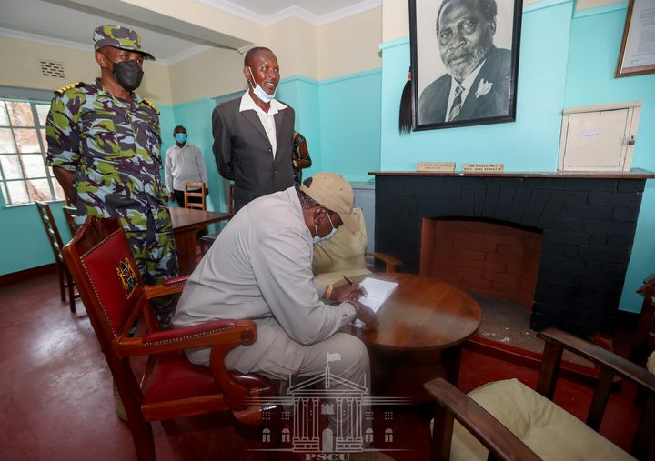 President UHURU KENYATTA visits the iconic house in Samburu where he was conceived (PHOTO)