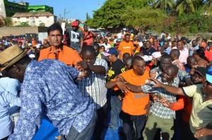 Makueni MP Daniel Maanzo exposes man who collapsed Raila's podium in Malindi