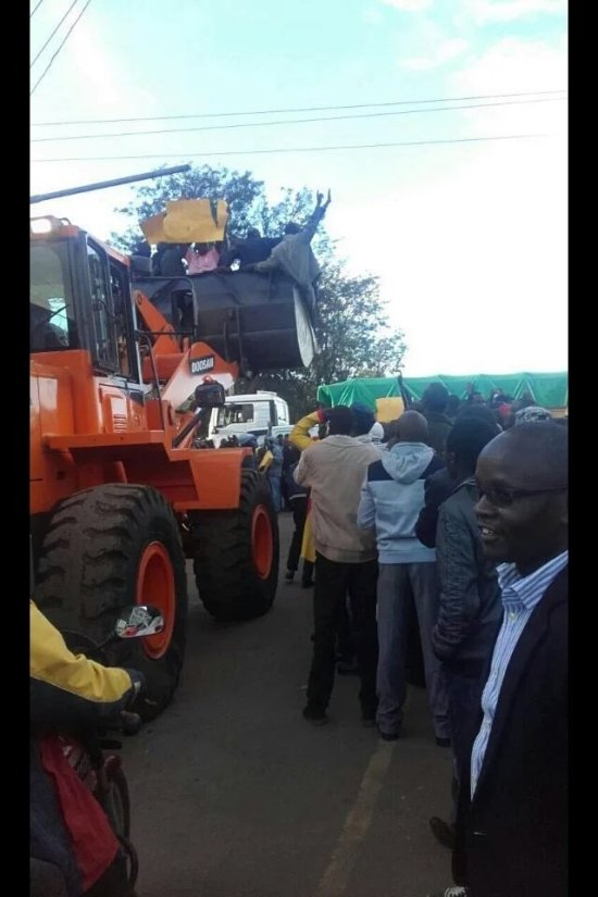 Eldoret residents celebrate william Ruto Joshua sang ICC case Collapse, No case to answer motion ICC judges, Fatou Bensouda, Prayer meeting, Video
