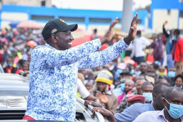 RUTO laughs at UHURU and RAILA as he invokes God to mock them after a 5-judge bench ruled their BBI is null and void – See what he said