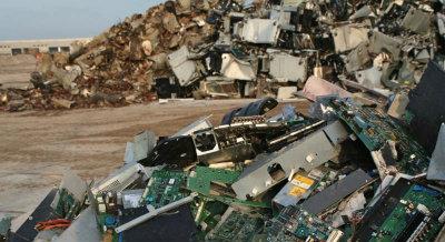 E-waste landfills [Credit: iFixit]