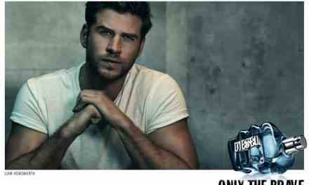 LIAM HEMSWORTH ÉGÉRIE DU PARFUM «ONLY THE BRAVE EXTREME»