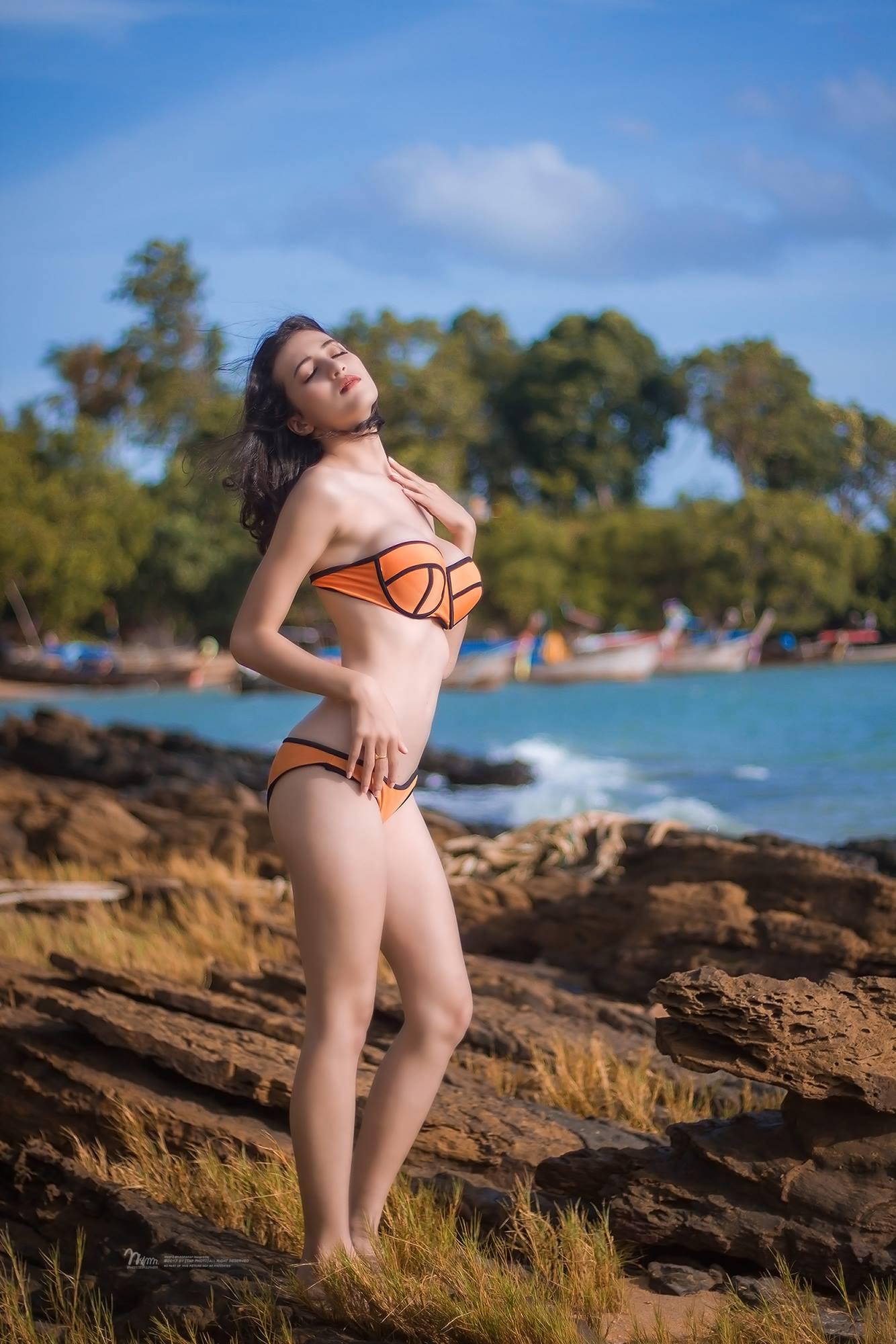 nong-bong-mat-voi-bo-anh-bikini-cua-Francesca-Russo (7)