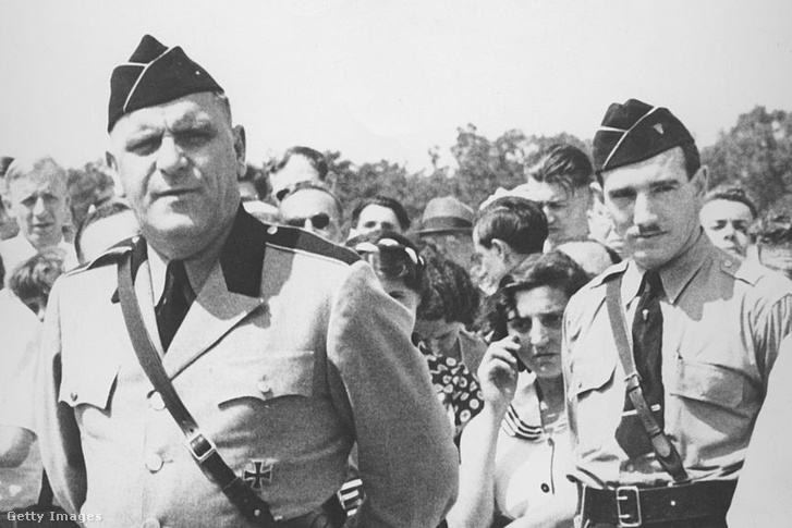 Fritz Julius Kuhn (b), a German-American Bund vezetője.
