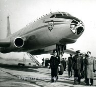 tu-104_f_003