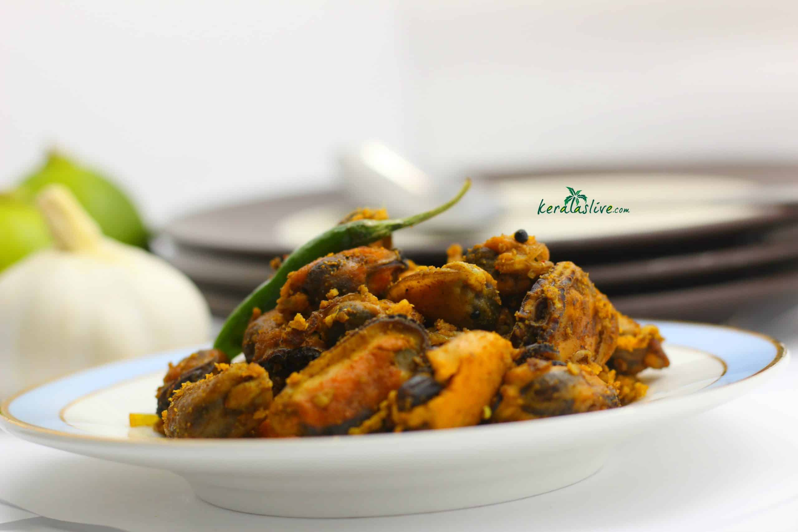 recipe for Kallummekkaya Olathiyathu / Spiced mussels fry