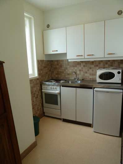 Appartement-7- Cuisine kitchenette - Studio en location en bord de mer