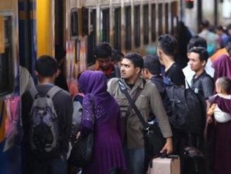 Kereta Ekonomi - www.tribunnews.com