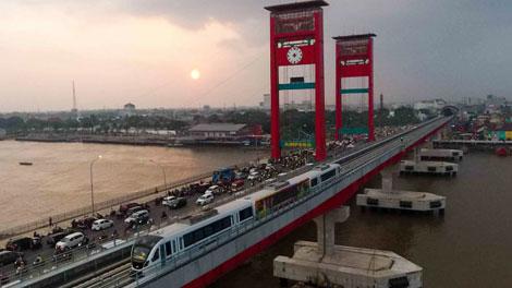 Uji coba Light Rail Transit (LRT) Palembang - www.viva.co.id