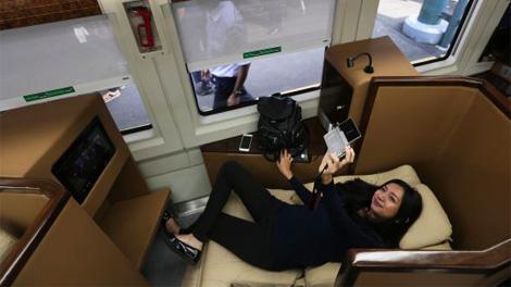 Penumpang di Kereta Sleeper