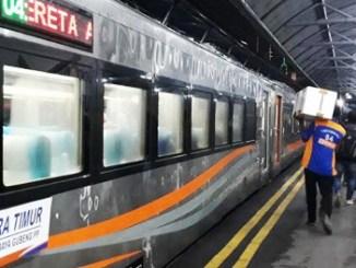 Kereta api Mutiara Timur - surabaya.tribunnews.com