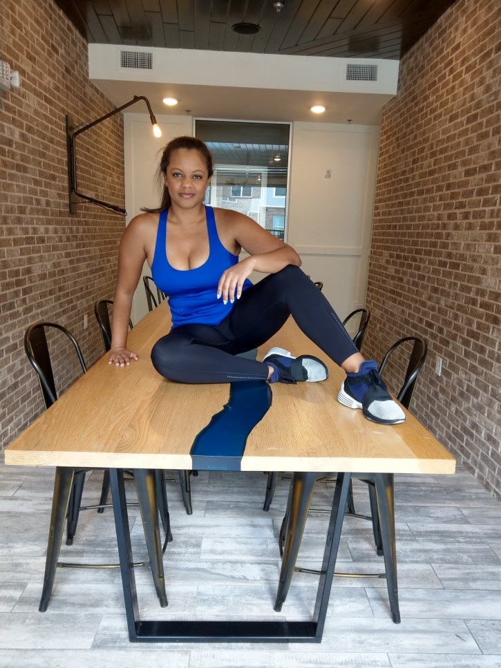 Lululemon black pants Kendall and Kylie shoes fitness. Black girls who workout. Modern industrial table
