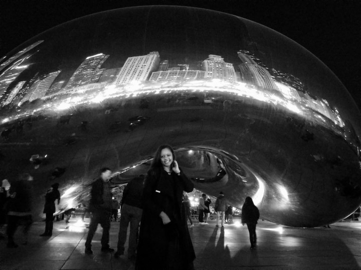 Keri Elaine at Cloud Gate in Chicago, beautiful black woman in the city. Actors who travel.
