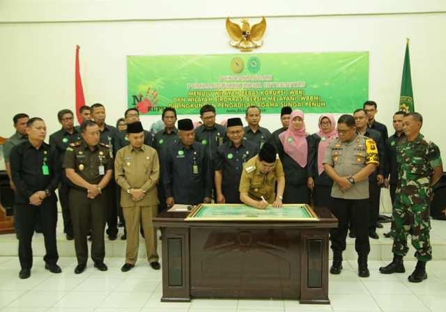 Photo of Wali Kota Sungai Penuh Hadiri Deklarasi WBK dan WBBM Lingkup Pengadilan Agama