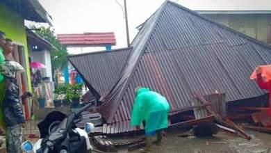 Photo of BreakingNews! Hujan Lebat Disertai Agin, Satu Unit Rumah Warga Kumun Hilir Roboh