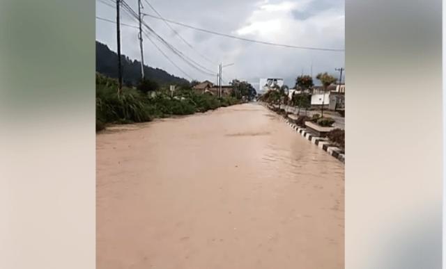 Jalan Sungai Penuh - Kumun Menjadi Sungai