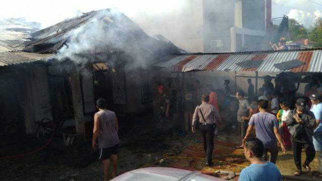 Photo of Warung Sembako Milik Warga di Sarolangun Terbakar, Akibat Percikan Api Rokok