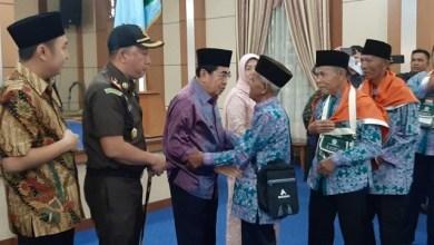 Photo of Wako Lepas Keberangkatan 100 JCH Kota Sungai Penuh Tahun 1440 H
