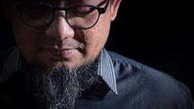 Photo of Novel Khawatir Kasus Penyerangannya Berhenti di Dua Terdakwa