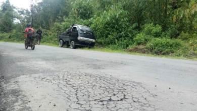 Photo of Bagun Jalan Nasional di Kerinci, Diduga PT. Aurora Gunakan Aggregat dan Bahan Illegal