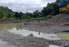 Photo of Diduga Tambang Illegal, 3 Unit Alat Berat Beroperasi di Cek Dam Lubuk Nagodang