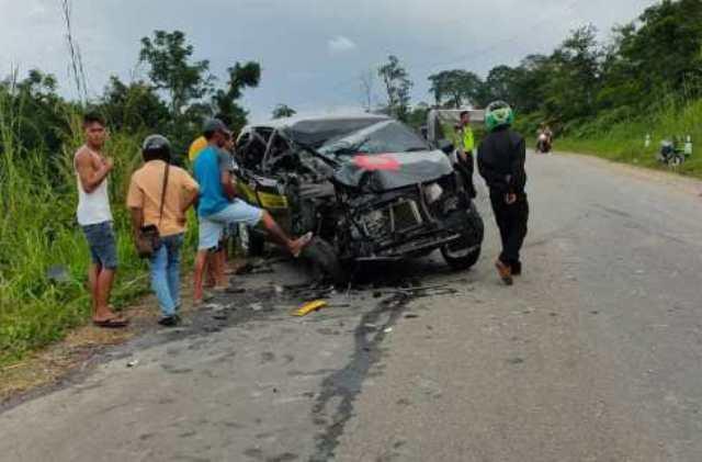 Photo of Di Tebo, Xenia Adu Kambing dengan Truck Hino, 2 orang Luka-luka