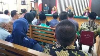 Photo of Rahima Istri Gubernur Jambi Terima Uang Rp. 200 Juta Dari Immanudin