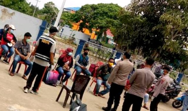 Photo of 15 TKI Asal Malaysia Masuk ke Tanjab Barat