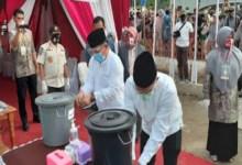 Photo of Ahmadi – Alvia Santoni Mendaftar ke KPU Sungai Penuh