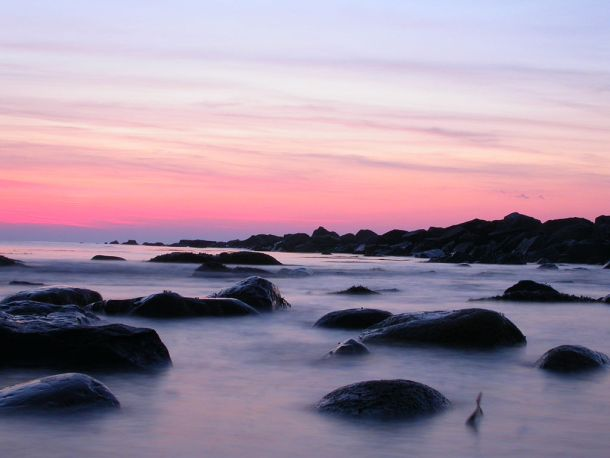 Photo via Wikimedia Commons at http://commons.wikimedia.org/wiki/File%3AOcean_Beach%2C_Early_Morning.jpg
