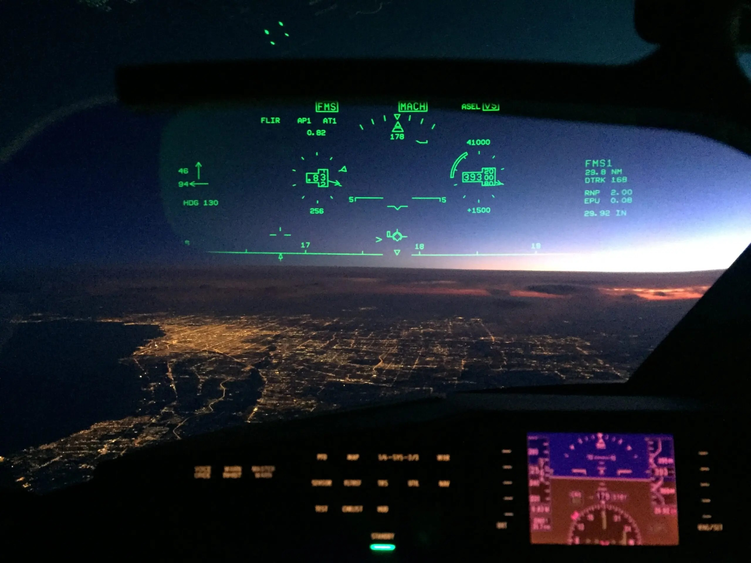 Gulfstream G650 pilot's view of Chicago at night