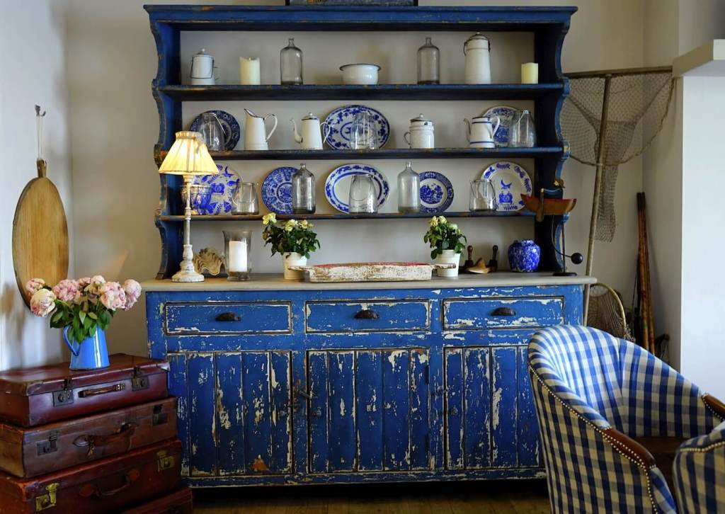 shabby chic colonial interiors
