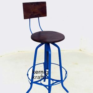 BCHM48835 Wooden Seat Rotating Industrial Bar Chair