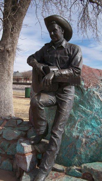 Rex Allen statue overlooking Koko the Horse's resting place.
