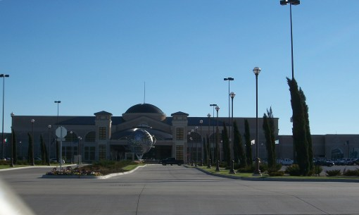 Main entrance to WInStar Casino (hotel around back).